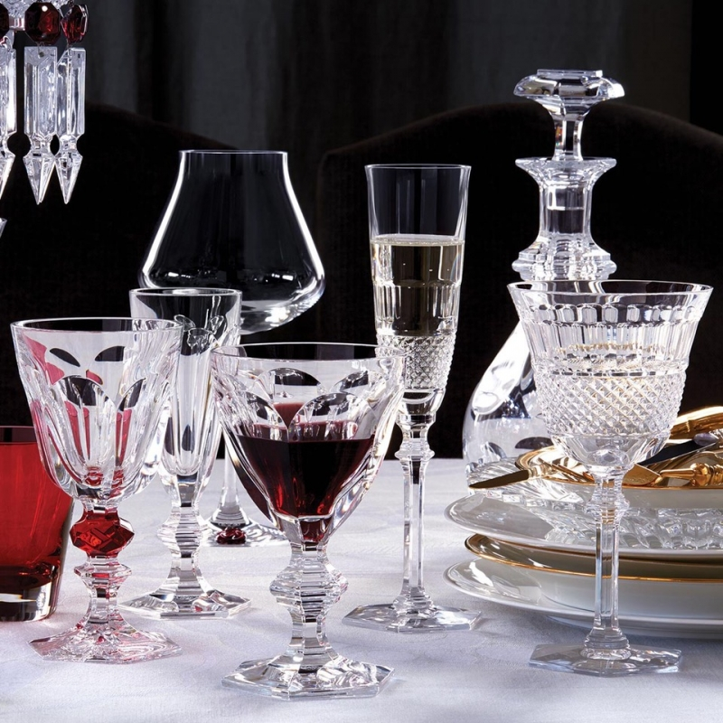 Baccarat crystal glasses from HARCOURT, DIAMANT and CHÂTEAU collections.